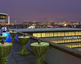 DoubleTree by Hilton Washington DC - Crystal City - Arlington - Building