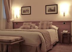 Hotel Seccy - Fiumicino - Habitación