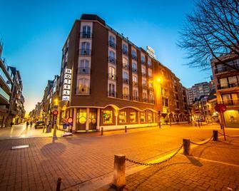 Hotel Aazaert By Wp Hotels - Бланкенберге - Building