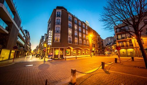 Hotel Aazaert By Wp Hotels - Blankenberge - Building