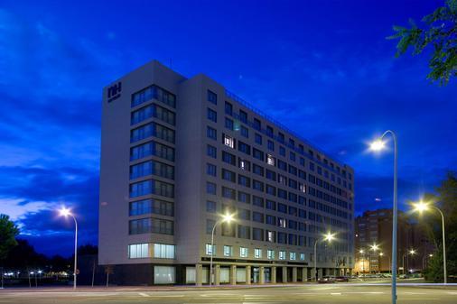 瓦拉多利巴拉格 NH 酒店 - 巴利亞多利德 - 巴利亞多利德 - 建築