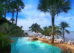 Eagle Point Resort - Mabini - Piscina