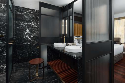 珀斯qt酒店 - 伯斯 - 浴室