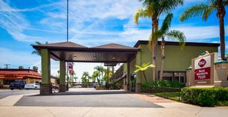 Best Western Plus Pavilions - Anaheim - Outdoors view