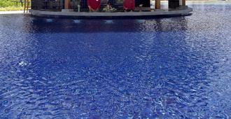 Kamala Beach Resort A Sunprime Resort - Kamala - Building