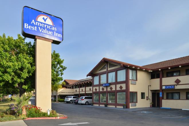 Americas Best Value Inn Sunnyvale - Sunnyvale - Rakennus