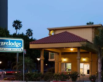 Travelodge by Wyndham Long Beach Convention Center - Long Beach - Building
