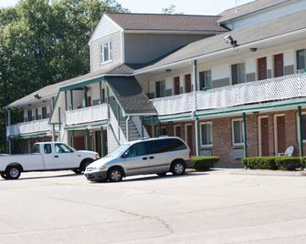 Budget Inn North Kingstown - North Kingstown - Building