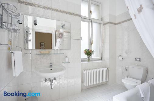 Park Spa Hotel Sirius - Carlsbad - Bathroom