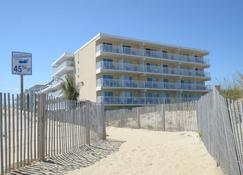 Atlantic OceanFront Inn - Ocean City - Building
