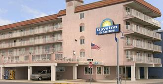 Days Inn & Suites by Wyndham Wildwood - Wildwood - Toà nhà