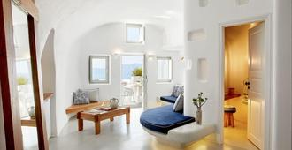 La Perla Villas And Suites - Oia - Stue