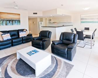 White Crest Luxury Apartments - Torquay - Huiskamer