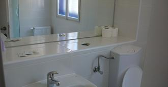 Grand Bells Bed And Breakfast - Zagreb - Bathroom
