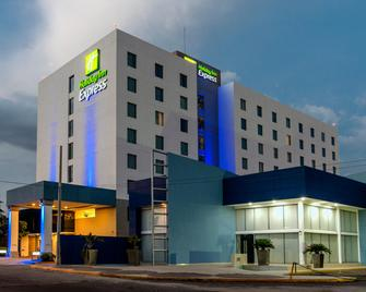 Holiday Inn Express Culiacan - Culiacán - Building