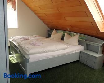 Gästehaus Am Hirtenberg - Breitenbrunn (Saxony) - Bedroom