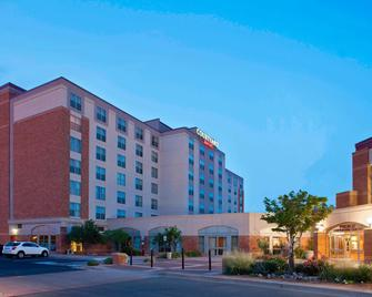 Courtyard by Marriott Pueblo Downtown - Pueblo - Gebäude