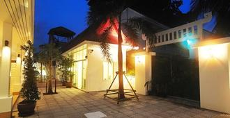 Boutique Guesthouse By Clearhouse - Kamala - Building