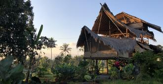 Bamboo & B - Banyuwangi - Building