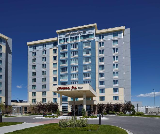 Hampton Inn by Hilton Calgary Airport North - Calgary - Bygning