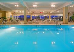Red Lion Hotel Harrisburg Hershey - Harrisburg - Pool