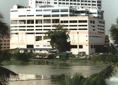 Gocos Hotel - Klang - Edifício