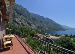 J&P Apartments Orahovac - Kotor - Balcon