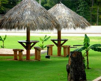 Lake Texoma Lodge and Resort - Mead - Outdoors view