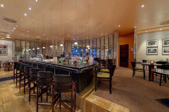 First Inn Hotel Zwickau - Zwickau - Bar