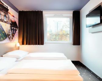 B&B Hotel Kaiserslautern - Kaiserslautern - Bedroom