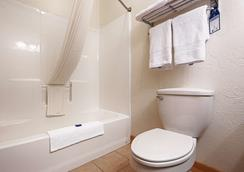 Best Western Devils Tower Inn - Hulett - Bathroom