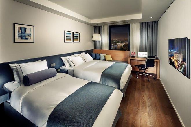 Ramada by Wyndham Gunsan - Gunsan - Bedroom