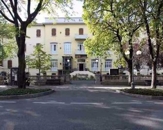 Hotel Centro Termale Il Baistrocchi - Salsomaggiore Terme - Будівля