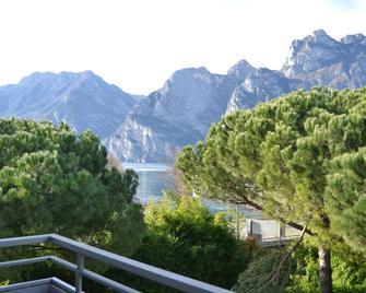 Hotel Piccolo Mondo - Torbole - Näkymät ulkona