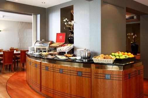 梅赫倫新罕布什爾州酒店 - 麥克連 - 梅赫倫 - 自助餐