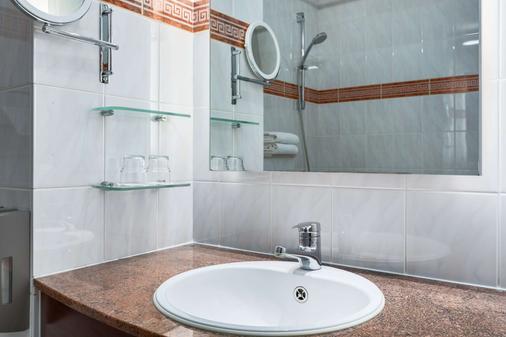 梅赫倫新罕布什爾州酒店 - 麥克連 - 梅赫倫 - 浴室
