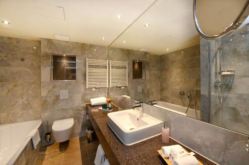 Best Western Plus Delta Park Hotel - Mannheim - Bathroom