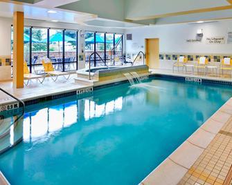 Fairfield Inn and Suites by Marriott Cumberland - Cumberland - Pool