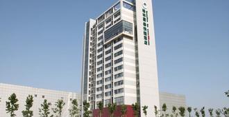 Greentree Inn Tianjin Jinnan Shuanglin Metro Station Express Hotel - Tianjin - Byggnad