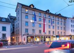 Best Western Plus Hotel Bahnhof - Sciaffusa - Edifício