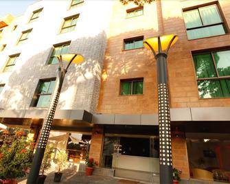 Hotel Le Noble - Dbayeh - Building