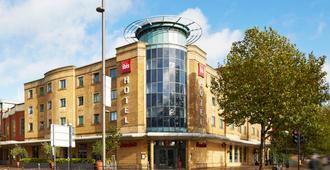 ibis London Stratford - London - Building
