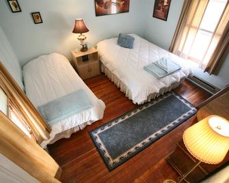 Gardens at Mile High Ranch - Bisbee - Bedroom
