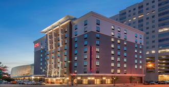 Hampton Inn & Suites Tulsa Downtown - Tulsa - Byggnad