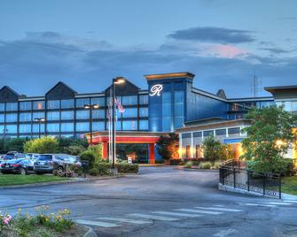 The Ramsey Hotel and Convention Center - Pigeon Forge - Building
