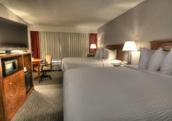 The Ramsey Hotel and Convention Center - Pigeon Forge - Bedroom