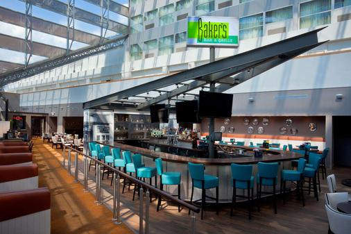 Doubletree by Hilton South Bend, IN - South Bend - Bar