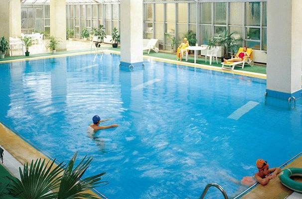 大連銀帆賓館 - 大連 - 游泳池