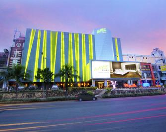 Whiz Prime Hotel Kelapa Gading - North Jakarta - Building
