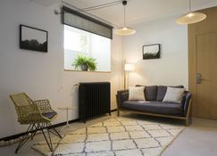 Ibaia Et Arramak - San Sebastian - Living room